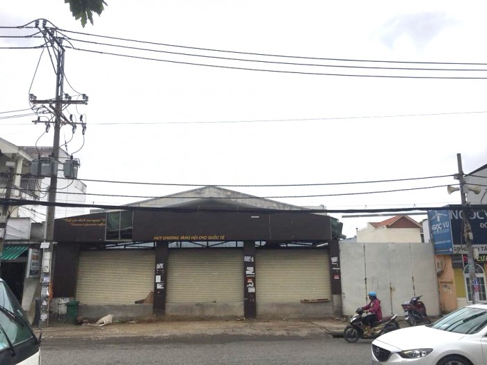 Cho thuê nhà mặt tiền đường Huỳnh Tấn Phát, Quận 7, dt: 3600m2