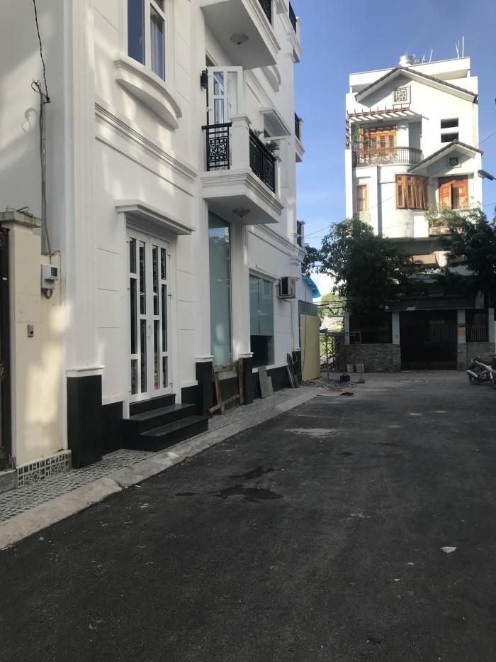 Tui bán ngay nhà mới xây thuộc q12, 5x12m 3 lầu