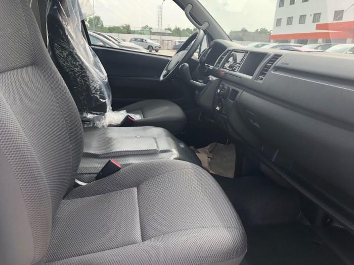 Toyota Hiace 3.0l Số Sàn Màu Bạc Giao Ngay