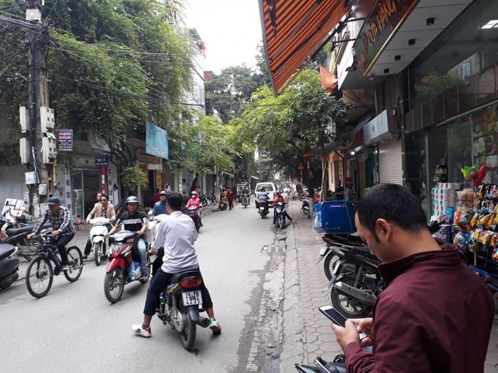 Bán nhà đẹp 5 tầng DT 70m2 kinh doanh sầm uất mặt phố Tân Mai