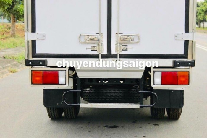 Xe tải iz65 thùng đông lạnh hỗ trợ trả góp qua ngân hàng cao