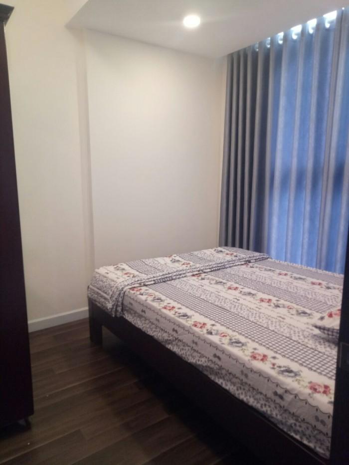 Bán căn hộ 2 pn nội thất đầy đủ tầng 10.
