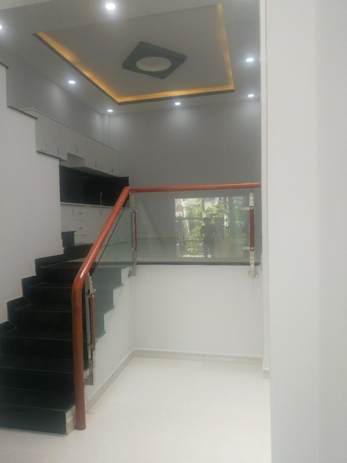 Bán nhà 1 trệt 2 lầu đường 30 linh đông , dtsd 190 m2