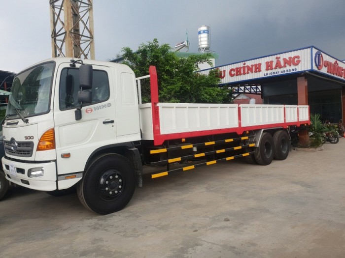 Xe tải Hino 16 tấn thùng lửng dài 9m2