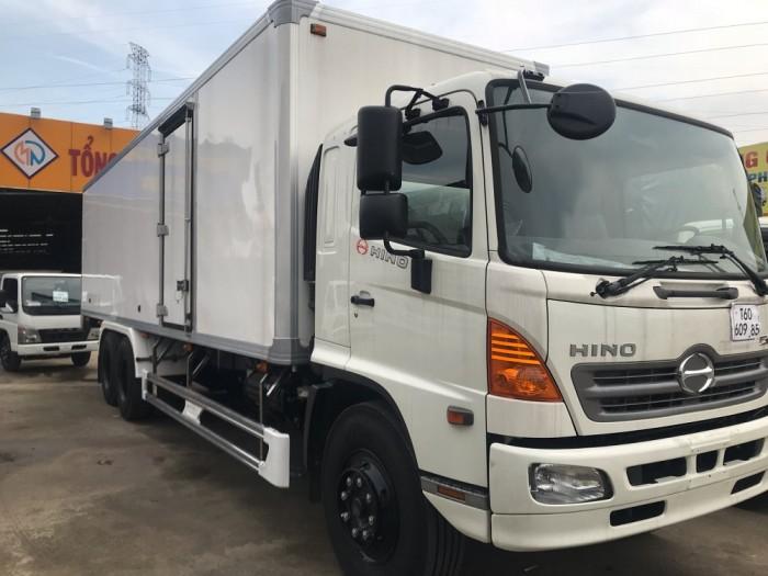 Xe tải Hino 16 tấn thùng đông lạnh 1