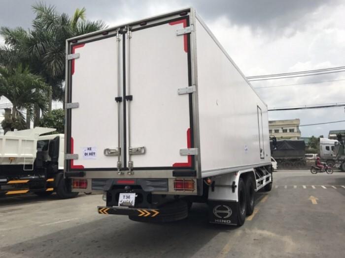 Xe tải Hino 16 tấn thùng đông lạnh 3