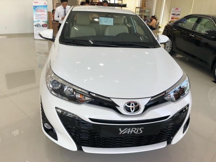 Toyota  Yaris 1.5G AT màu trắng giao ngay 6