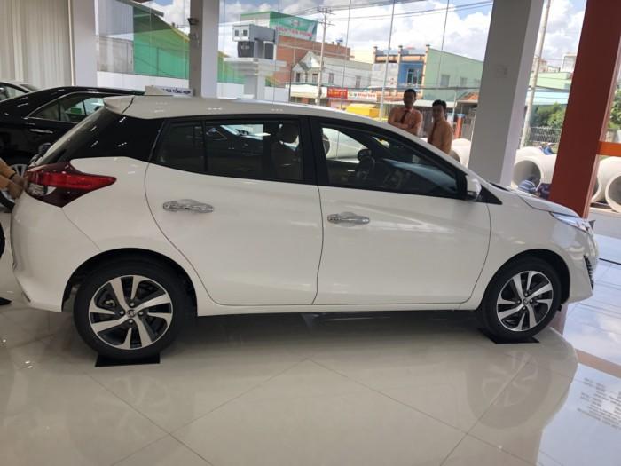 Toyota  Yaris 1.5G AT màu trắng giao ngay 5