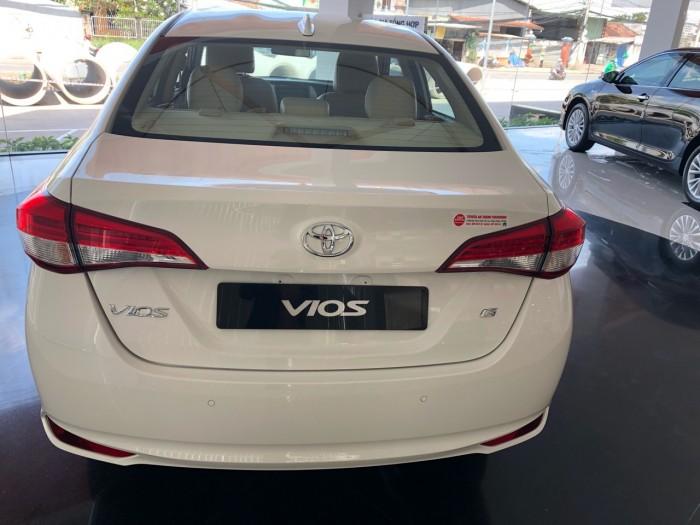Toyota  vios 1.5G màu trắng giao ngay 2