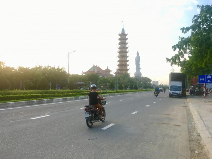 Nhà phố thiết kế thông minh 2 mặt tiền Đại lộ Nguyễn Sinh Sắc – Hoàng Thị Loan Đà Nẵng
