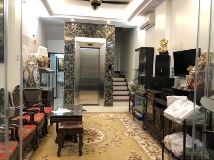 Nhà Hào Nam 40m2, Cực Đẹp, Thang Máy Xịn, Ngõ Thông