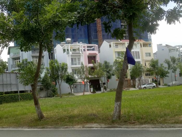 Bán gấp lô đất nền KDC Greenlife 13C Phong Phú, 85m2, sổ hồng riêng