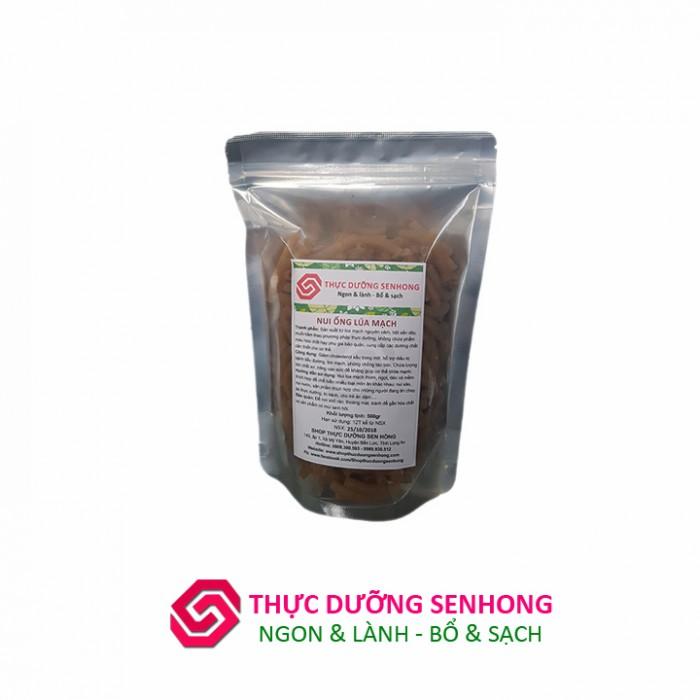 Nui lúa mạch được làm từ lúa mạch nguyên cám kết hợp với bột sắn dây và muối hầm theo phương pháp dưỡng sinh Ohsawa, không chứa bất cứ phụ gia bảo quản hay phẩm màu hóa học nào. Nui lúa mạch mang lại cho bữa ăn của bạn và gia đình trọn vẹn giá trị dinh dưỡng.3
