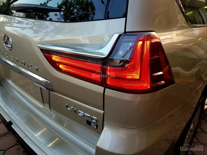 Bán xe Lexus LX 570S SuperSport đời 2018, màu vàng cát , nhập khẩu Trung Đông nguyên chiếc. 18