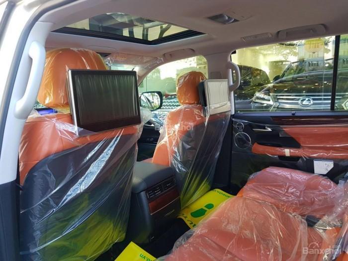 Bán xe Lexus LX 570S SuperSport đời 2018, màu vàng cát , nhập khẩu Trung Đông nguyên chiếc. 12