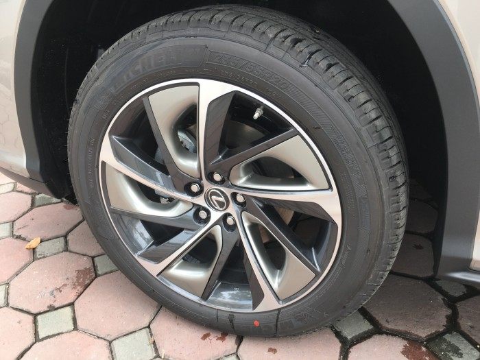 Cần bán Lexus RX 350L 07 chỗ đời 2018, màu xám (ghi), nhập khẩu nguyên chiếc Mỹ 2