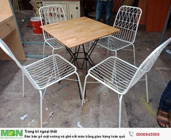 Bán bàn gỗ mặt vuông và ghế sắt màu trắng,giao hàng toàn quốc0