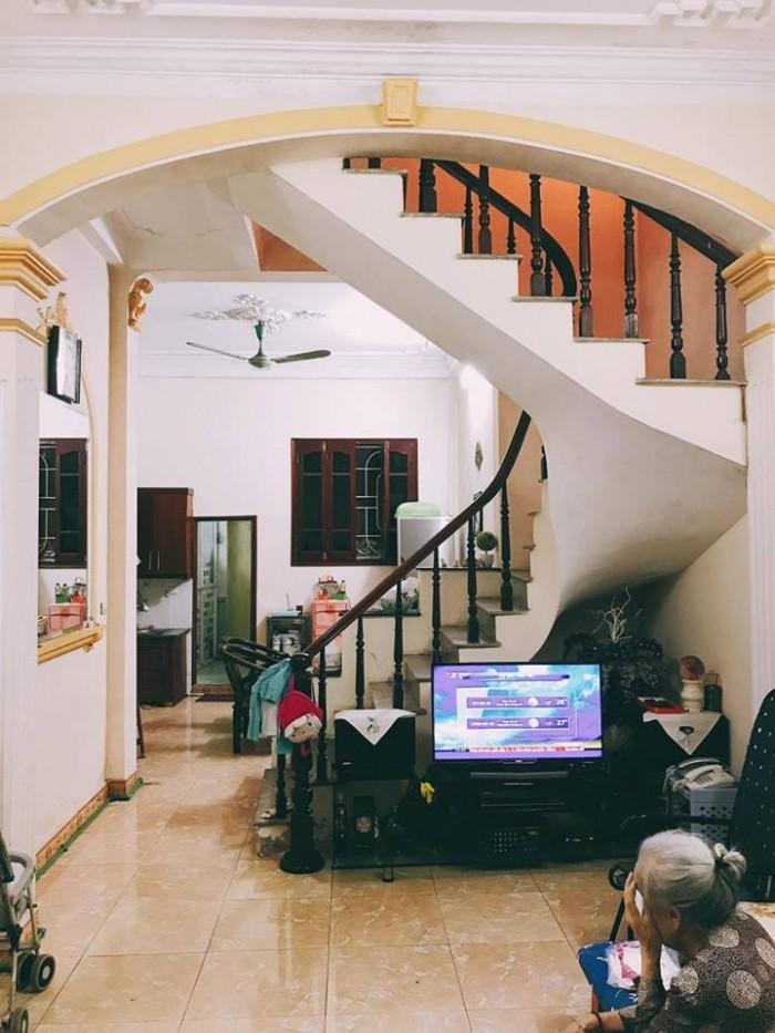 Bán gấp nhà Võ Chí Công 2 mặt thoáng, có 1 không 2. 48m 2 tầng