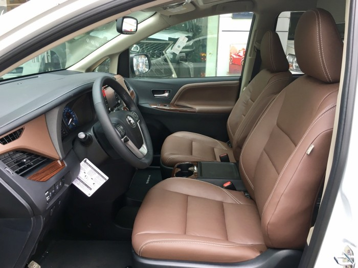 Bán Toyota Sienna Sienna Limited model 2019, màu trắng, nhập khẩu Mỹ. 3