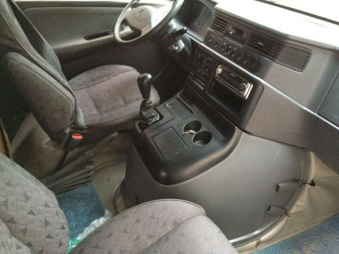 Gia đình cần bán MB100, 2005, số sàn, máy xăng, màu bạc, gia đình sử dụng