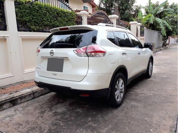 Bán xe Nissan X-Trail 2017 đk 2018 số tự động màu trắng bản full nút đề 5