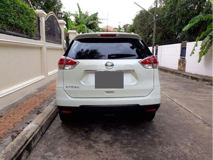 Bán xe Nissan X-Trail 2017 đk 2018 số tự động màu trắng bản full nút đề 3