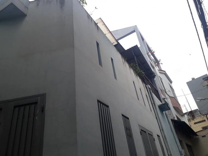 Bán nhà Lô góc 40m trung tâm Quận 3, CMT8
