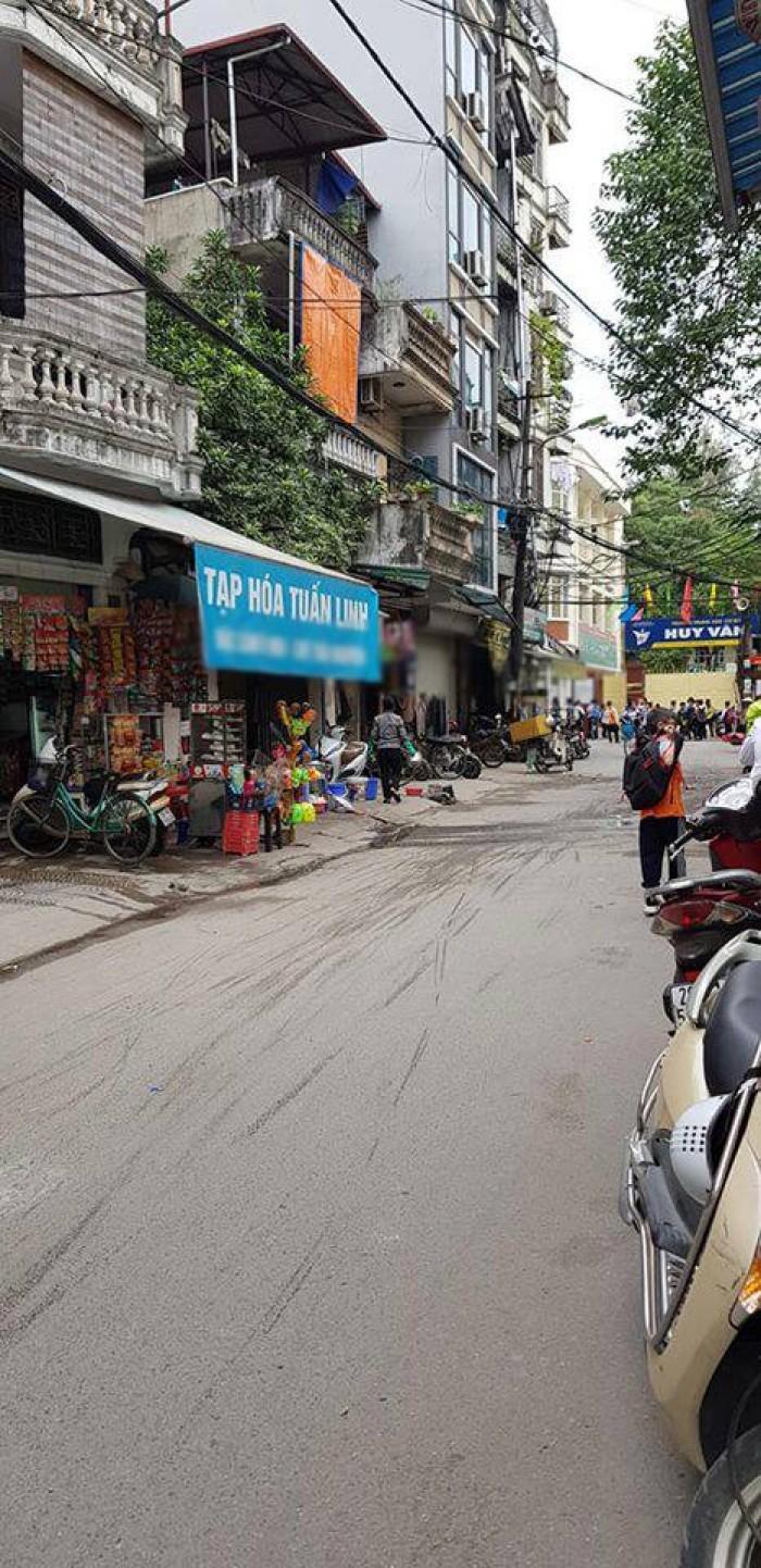 Nhà K.Doanh Ô Tô Tránh ngõ Văn Chương, phố Khâm Thiên, 35m² x 4T, MT 4.7m