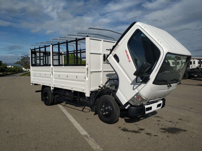 Bán xe tải Mitsubishi Canter 6.5. Hỗ trợ trả góp