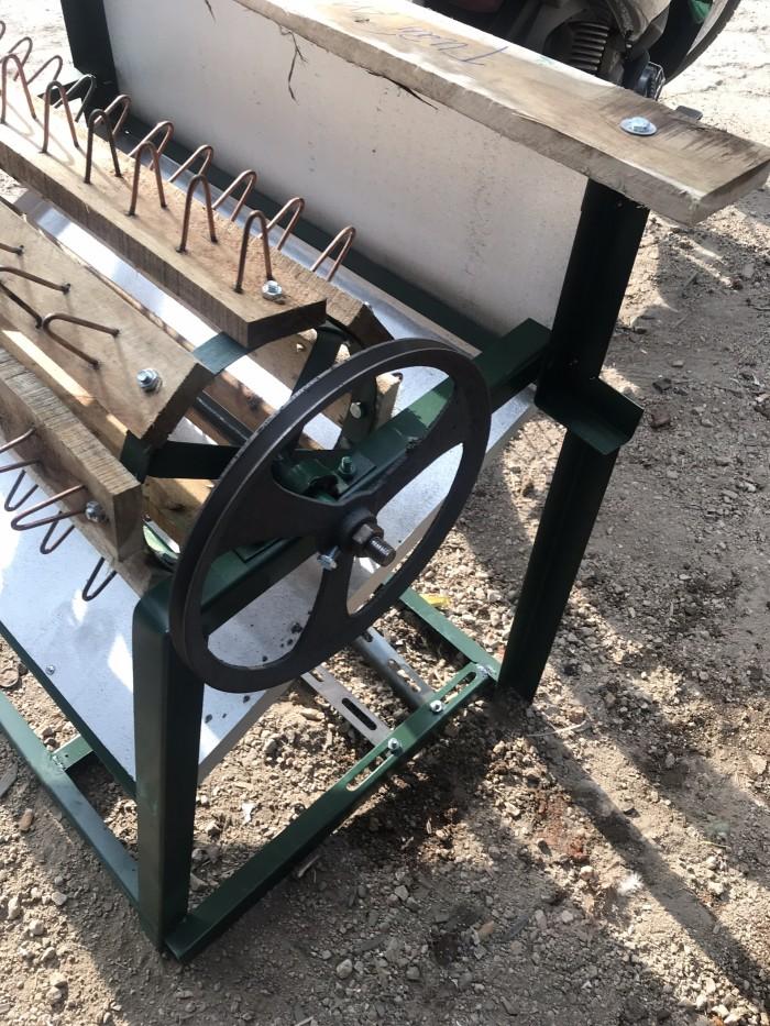 Máy tuốt lúa nếp sử dụng mô tơ Toàn Phát2
