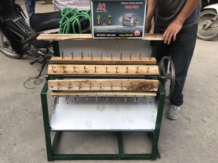 Máy tuốt lúa nếp sử dụng mô tơ Toàn Phát0