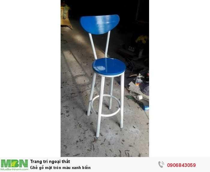 Ghế gỗ mặt tròn màu xanh biển0