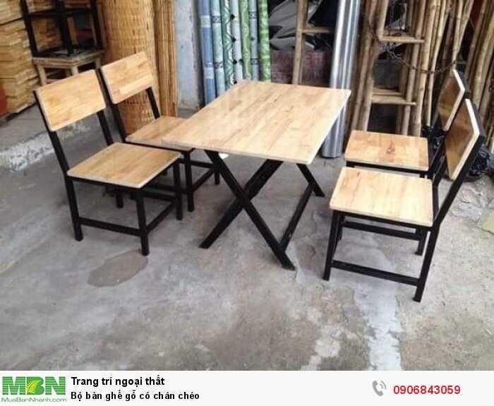 Bộ bàn ghế gỗ có chân chéo0