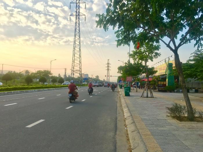 Cần bán nhà 2 mặt tiền Hoàng Thị Loan và Nguyễn Sinh Sắc, giá hợp lý đầu tư!
