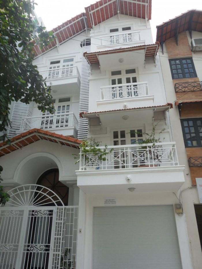 8x20, 5 tầng, kinh doanh đẳng cấp, mặt tiền Lê Văn Huân
