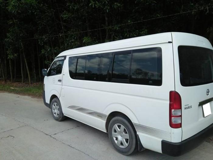 Cần bán Toyota Hiace 2010,số sàn máy dầu, màu trắng ngọc trinh
