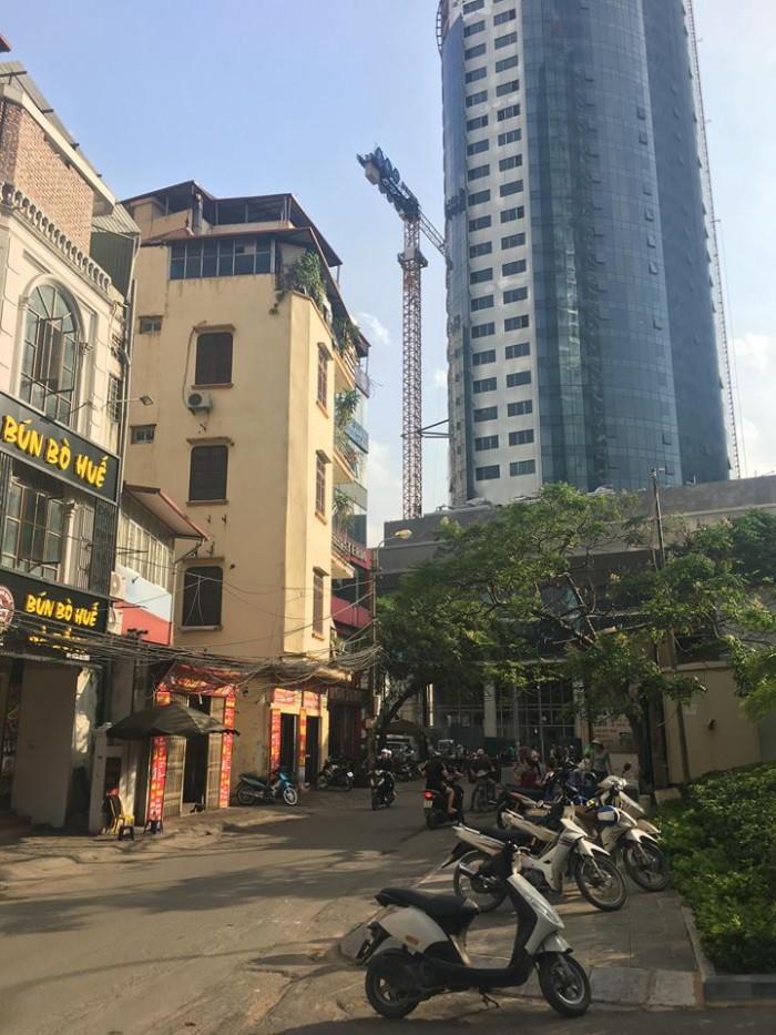 Tôi bán nhà mặt phố chùa hà,diện tích 40m x 5,5 tầng,vị trí đẹp để kinh doanh