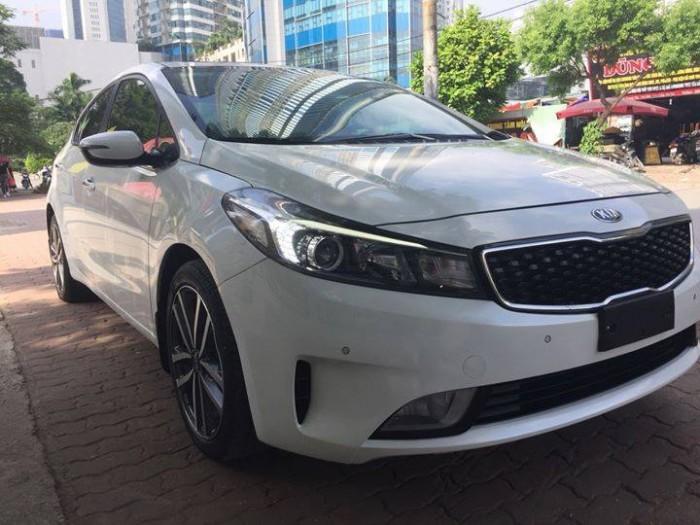Bán gấp Kia Cerato 2017 màu trắng tự động xe đẹp trong ra ngoài 3