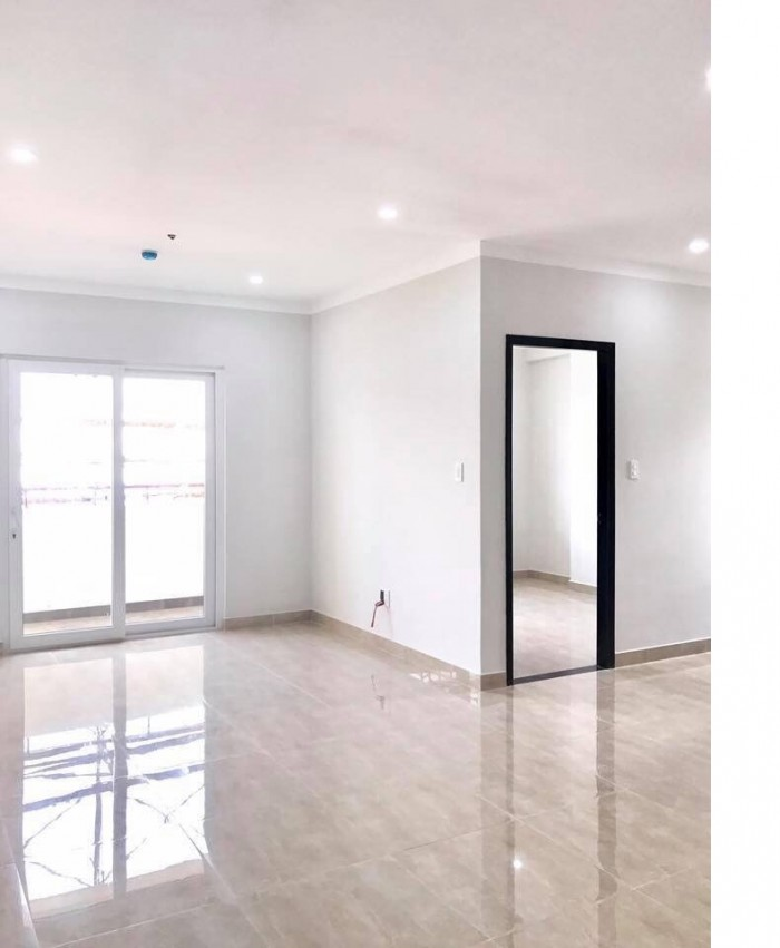 Cho thuê căn hộ trống làm văn phòg chuyển phát nhanhDT80m2 gần sân bay