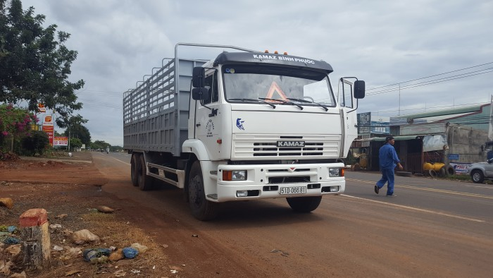 Xe tải thùng Kamaz 15 tấn, bán tải thùng Kamaz 65117 mới tại Bình dương, bán tải thùng Kamaz mới 8