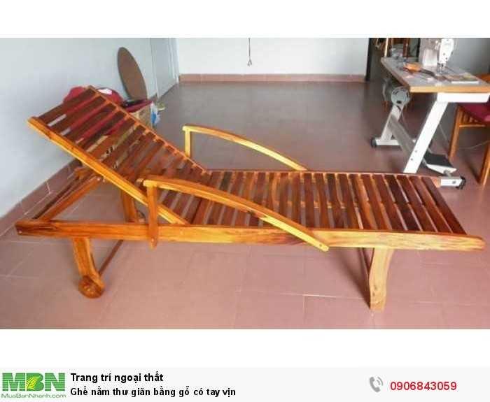 Ghế nằm thư giãn bằng gỗ có tay vịn0