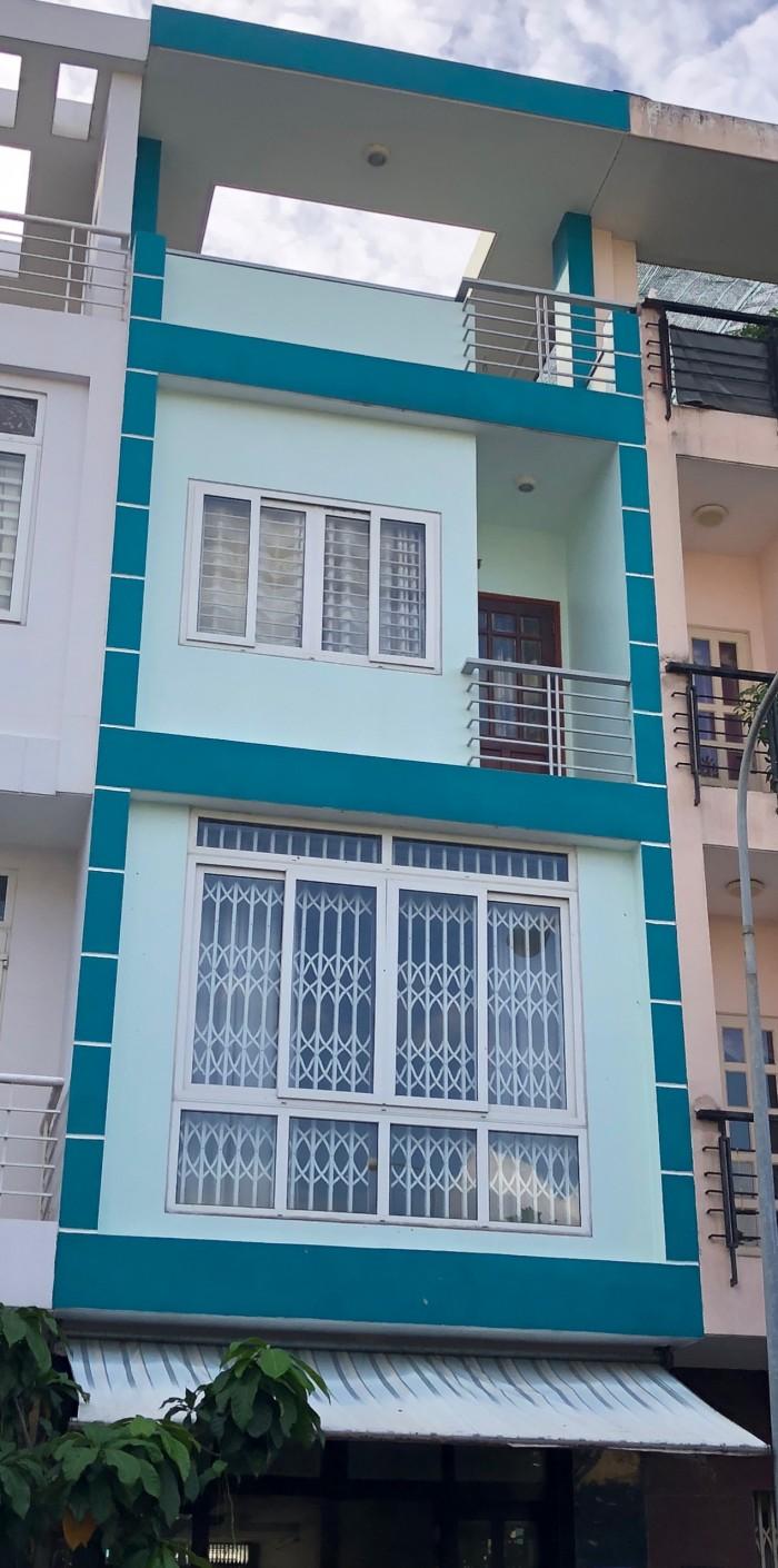 Bán căn nhà 90m2 đường Nguyễn Tất Thành, Q4 giá 2,4 tỷ