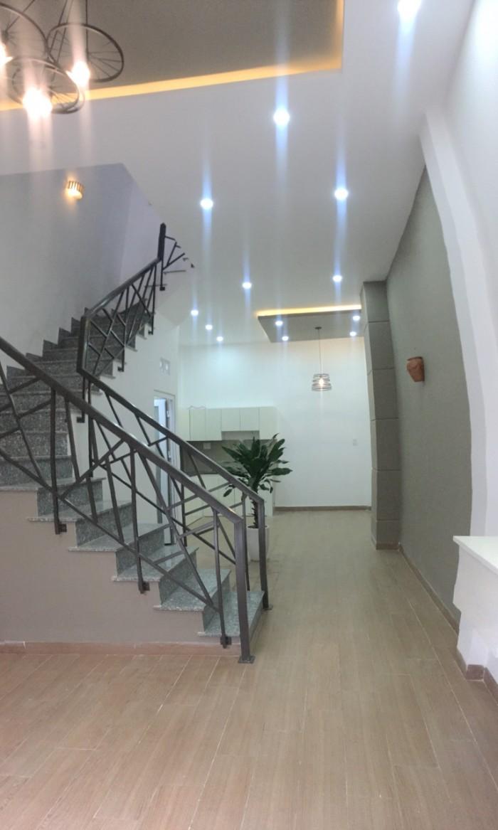 Nhà 3 tầng đẹp mới xây kiệt trung tâm đường Núi Thành