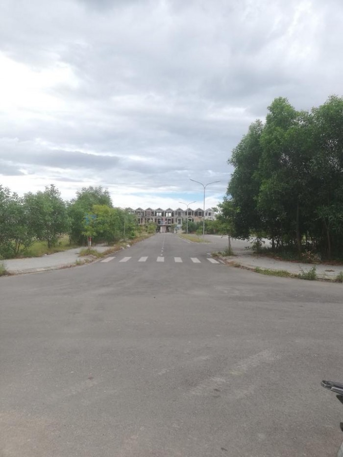 Bán lô đất 2 mặt tiền bên cạnh Công An Tỉnh Quảng Trị