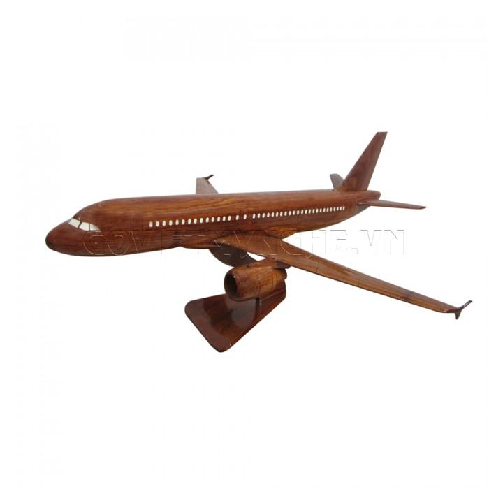 + Mô hình máy bay gỗ Airbus A320 - Size Nhỏ - Dài 30 x Rộng 30 x Cao 12 (cm). giá 400.000vnđ  + Mô hình máy bay gỗ Airbus A320 - Size Lớn - Dài 30 x Rộng 30 x Cao 12 (cm). giá 550.000vnđ