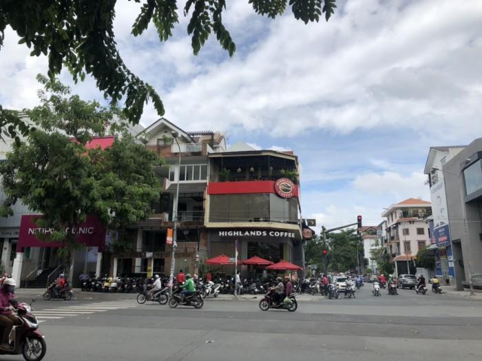 Căn góc 2 MT Phan Xích Long. 6.5x27. 3 Lầu