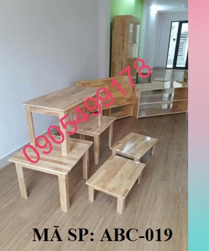 bàn gỗ mầm non