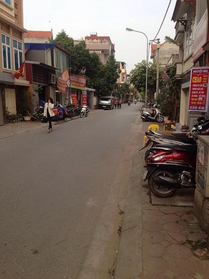 Đất đẹp Ngô Xuân Quảng  kinh doanh được. Mua ngay  kẻo lỡ.