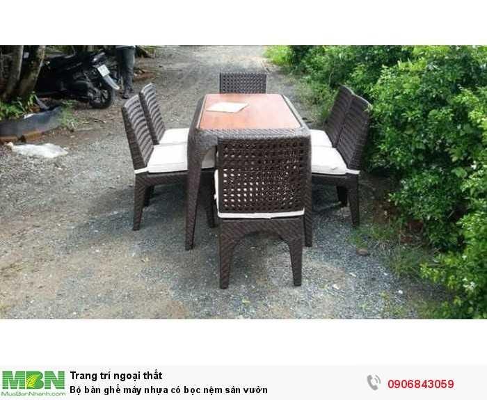 Bộ bàn ghế mây nhựa có bọc nệm sân vườn0