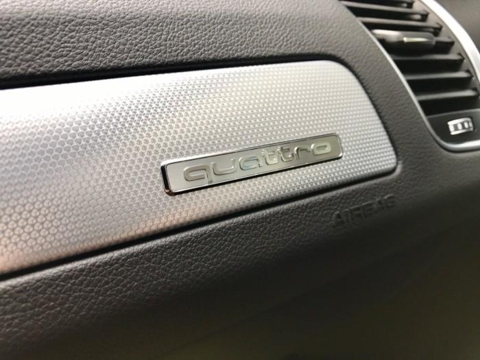 Bán xe Audi Q5 đời 2017, màu trắng, xe nhập Mỹ full đồ 18